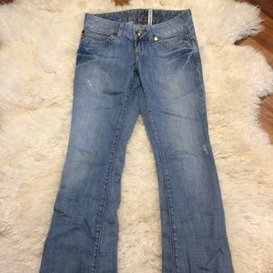 Guess premium light wash daredevil style jeans